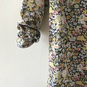 Gap Floral Print Fitted Boyfriend Shirt